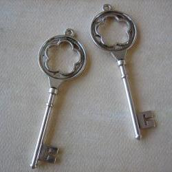 2PCS - Antique Silver Key Charms - Lead and Nickel Free - 77mm - Findings by ZARDENIA